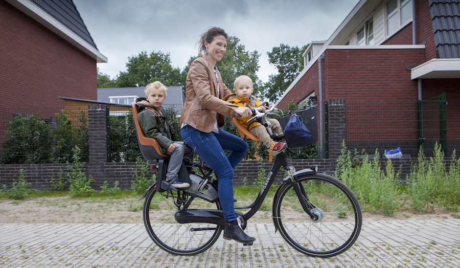 BIke with two children and parent